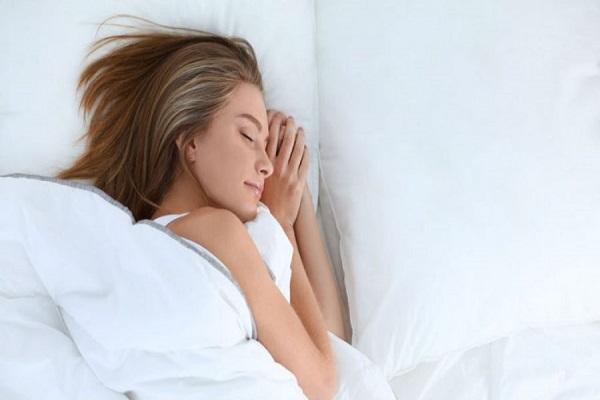 Dormez sept à huit heures par nuit