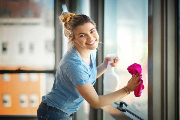 Nettoyez vos vitres et miroirs avec du vinaigre